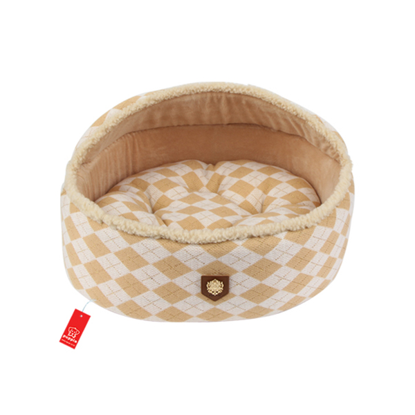 Argyle Mode Dog Bed by Puppia - Beige