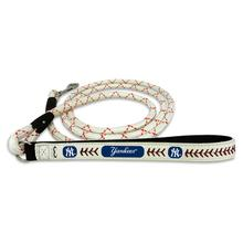 New York Yankees Frozen Rope Leather Dog Leash